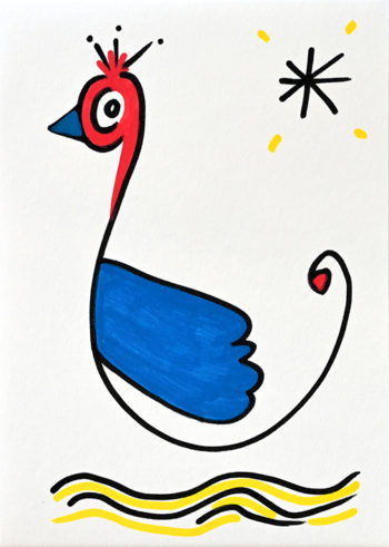 Dessin figuratif au style enfantin réalisé au marqueur à l'huile. Format 14,8 par 21 centimètres. Une série qui aborde le dessin par ses 5 couleurs de base. Les 3 primaires, rouge, bleu, jaune et les 2 basiques blanc et noir. Un grand oiseau est dessiné de profil tourné vers la gauche. Son corps est symbolisé par une simple ligne noire, sa tête et son cou sont rouges, avec un bec bleu et une petite houpette de plumes. Il a une grande aile colorée bleue posée sur son flanc. Il semble flotter sur de l'eau représenté par quelques traits noirs et jaunes qui ondulent à l'horizontale. En haut à droite se trouve une étoile noire en forme d'astérisque, avec autour de celle-ci quatre petits traits jaunes.