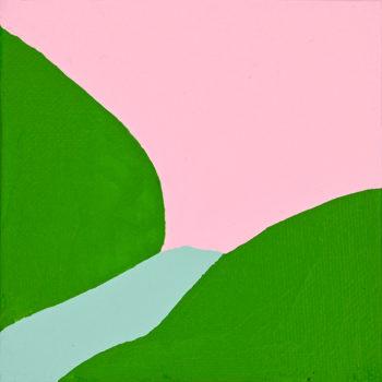 Peinture acrylique réalisée au couteau représentant un paysage onirique en format carré 10 centimètres par 10 centimètres sur carton entoilé. Un poème pictural où les formes et les couleurs remplacent les mots. Ce tableau suggère un ciel rose pâle surplombant deux collines vertes et en son sein une rivière bleu clair.